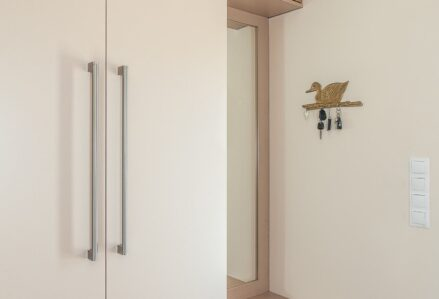 Hinged doors cashmere
