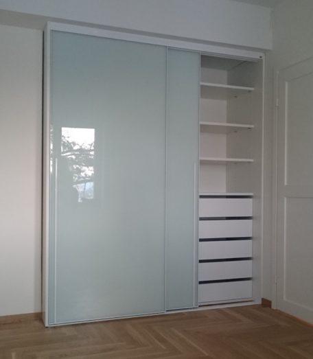 Liuguksed Tank100 valge raam, sisu valge, taust värvitud valge klaas, käepide FUNK1250